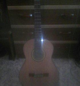 Гитара без струн в хорошем состоянии
