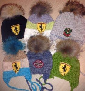 Новые шапки с пумпоном енота
