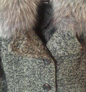 Женское пальто S