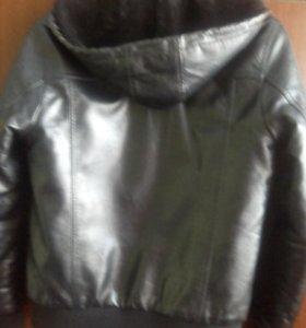 Куртка кожаная подростковая,утепленная.