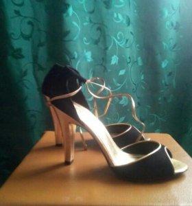 Туфли новые MANGO
