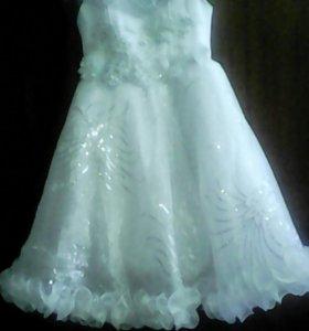 Платье нарядное детское 4-5 лет