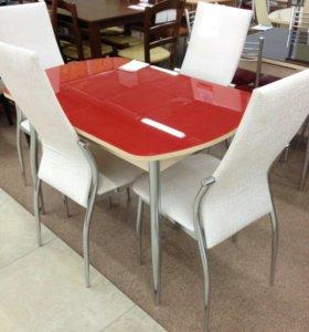 Столы красные и стулья