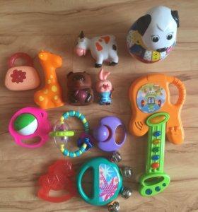 Игрушки, погремушки для малышей
