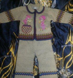 Детский вязонный костюмчик