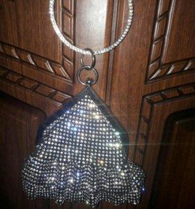 сумочки-клатч со своровскими камнями.