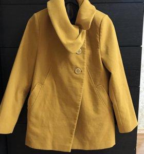 Весеннее пальто женское.