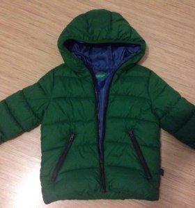 Демисезонная куртка бенеттон