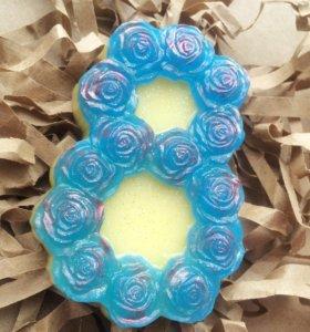 Мыло к 8 марта с синими розами