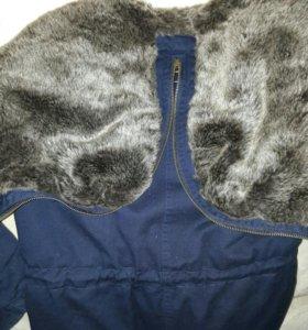 демосезонная куртка с мехом.