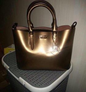Новая кожаная сумка