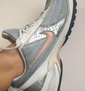 Беговые кроссовки Nike WMNS AIR DOWNDRAFT