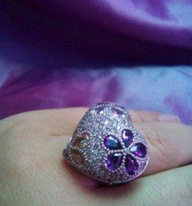 Перстень виде сердца серебро новое