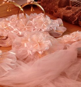 Свадебные кольца на машину, ленты в комплекте.