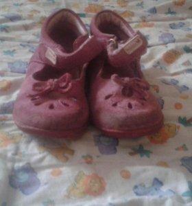 Обувь на девочку летняя
