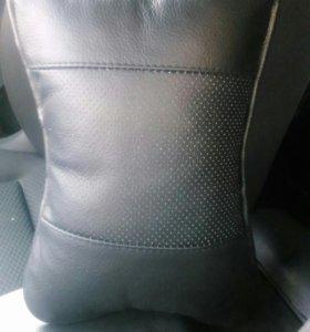 Подголовник в авто (новый)