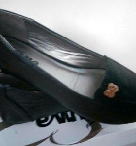 Туфли для девочки новые, р.36
