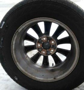Колеса на литых дисках ,резина с новой машины