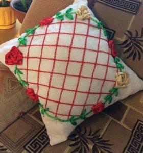 Декоративные подушки разных размеров