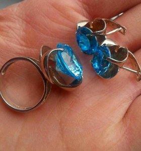 Топазы в серебре, серьги и кольцо
