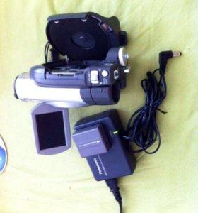 Видеокамера Panasonic VDR-D50 c записью на mini DV