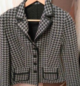 Пиджак 46-48 размер.