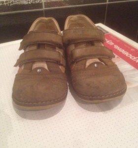 Ботинки детские 28 разм