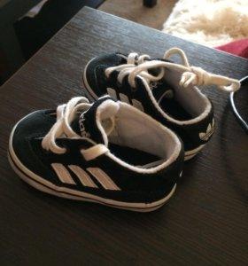 Деские кроссовки adidas