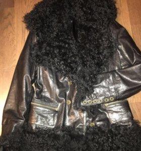 Кожаная куртка.