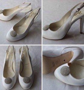 Новые свадебные туфли 38.5-39