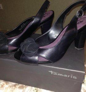 Босоножки кожаные Фирма тамарис
