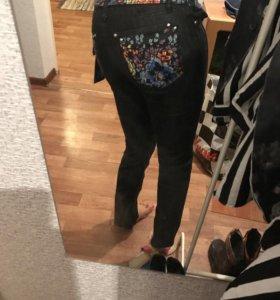 Новые джинсы S
