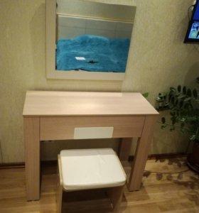 Двуспальная кровать+тумба+столик