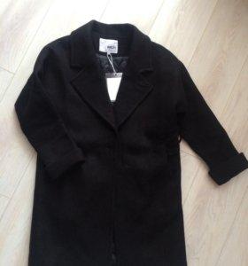 Модное Новое утепленное пальто