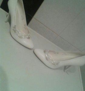👠👰Белые туфли