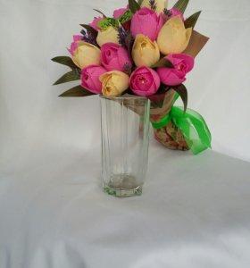 Букетик тюльпанов.