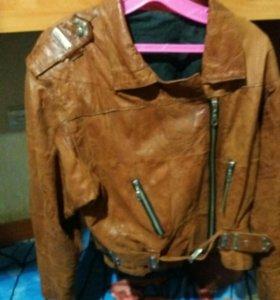 Куртка кожа в хорошем состояние