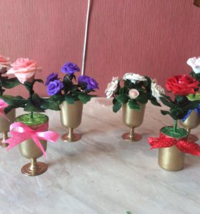 Вазочки с цветами из холодного фарфора