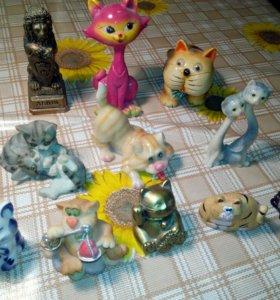15 фигурок кошек