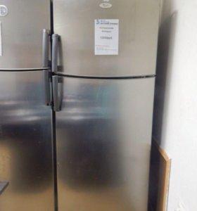 Холодильник Двухкамерный Whirlpool.