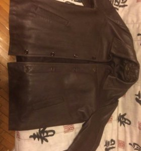 Куртка кожаная.