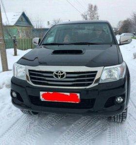 Toyota Hilux 2.4МТ, 2015, пикап