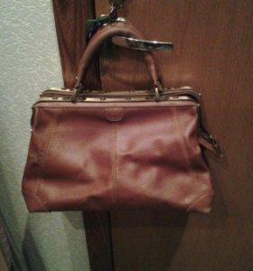 Коричневая сумка-саквояж