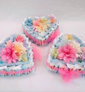 Сладкий подарок, торт из конфет