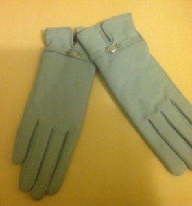 Новые перчатки из натуральной кожи