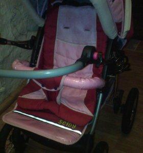 Детская коляска зима лета имеет три положение и не