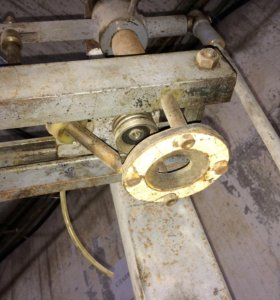 Аппарат укупорка металлической крышкой