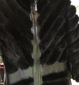 Кожаная куртка со вставками из норки