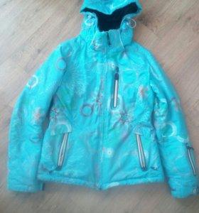 зимняя куртка от лыжного костюма.