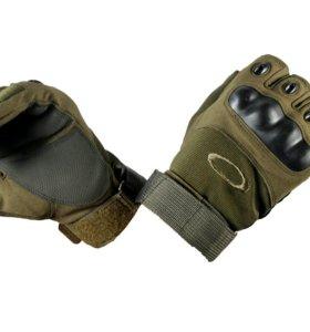 Тактические перчатки с вставками